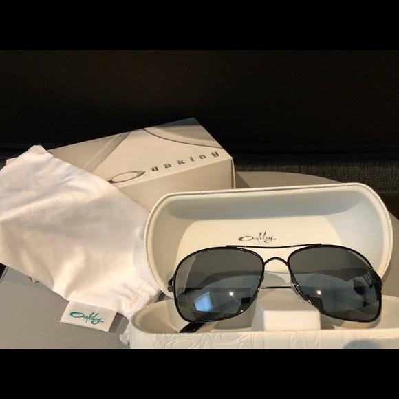 f2ef1cb46cb Oakley Conquest sunglasses. M 5b15ecb75c445217e434e82c